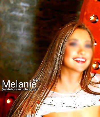 Super Model Melanie Top Luxury Model